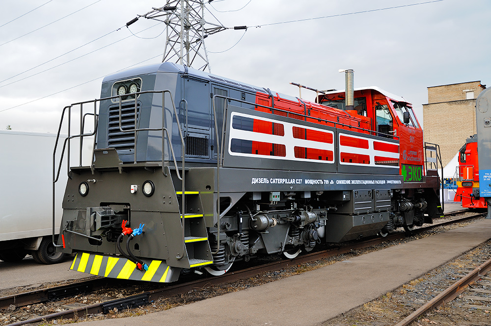 30. Прототип грузового электровоза переменного тока 11201.